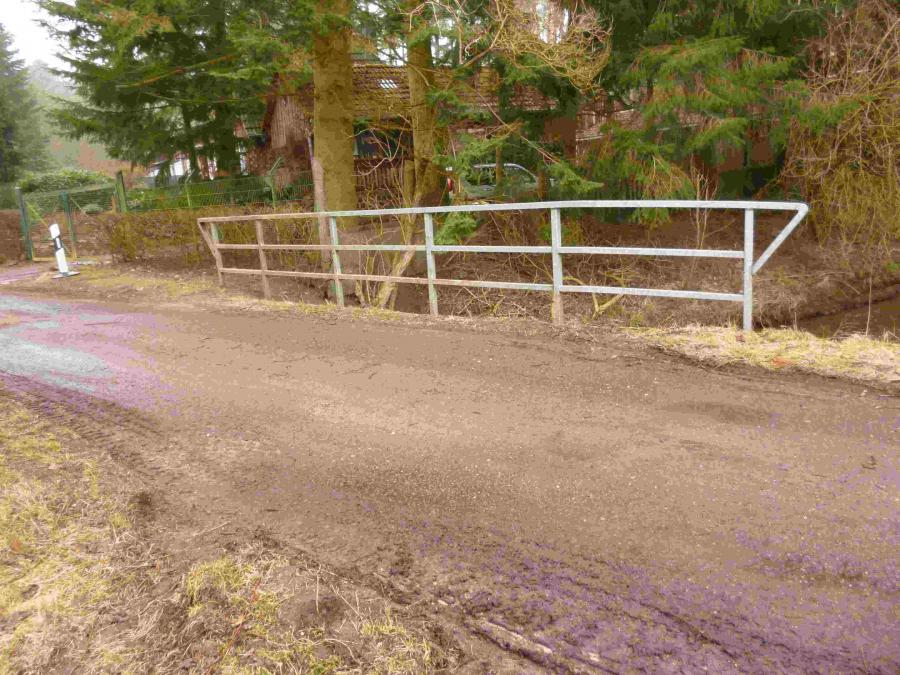 Beschädigung der Brücke über die Bek in Wabel