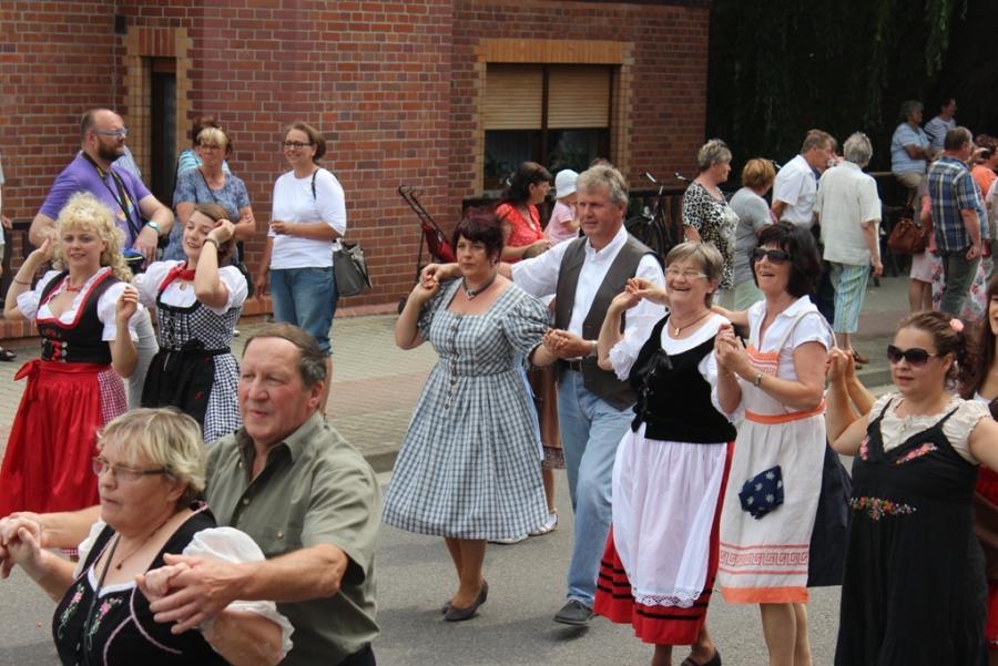 Heimatverein Barzig beim Festumzug 2015