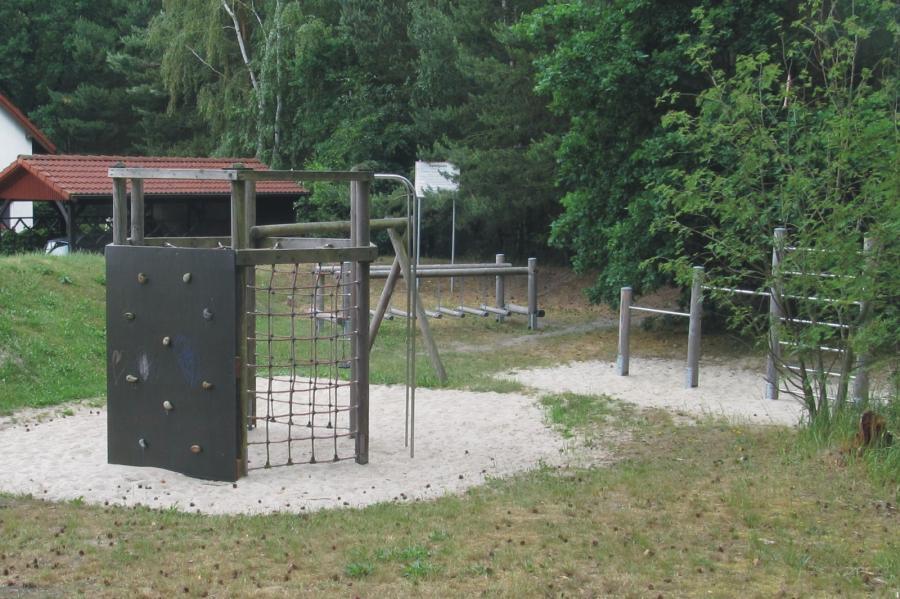 Basdorf Spielplatz Am Waldesrand Lanker Strasse Gesamtansicht2, Foto: Gemeinde Wandlitz