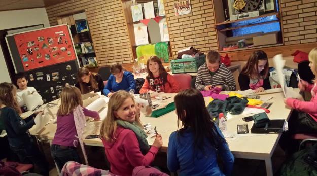 Bastelaktion im Rohrbacher Kids-Club