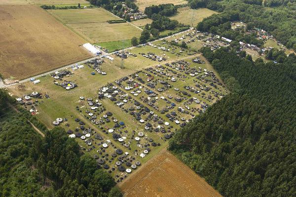 Foto: Bund der Pfadfinderinnen und Pfadfinder (BdP), großes Zeltlager