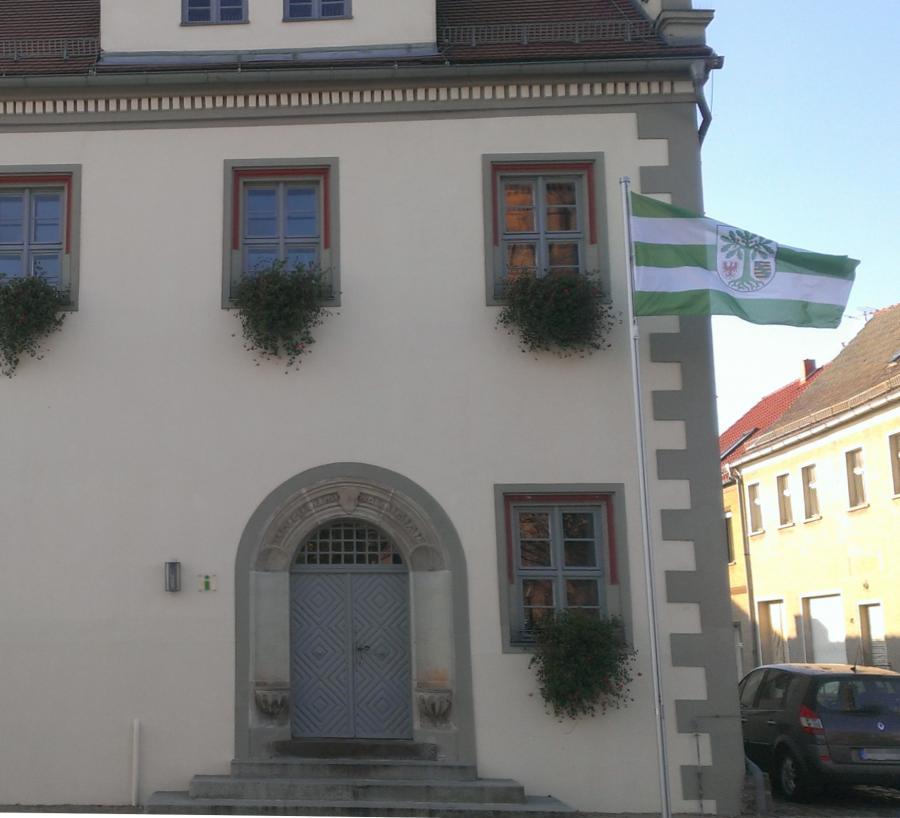 Beflaggung Rathaus Flagge Niemegk