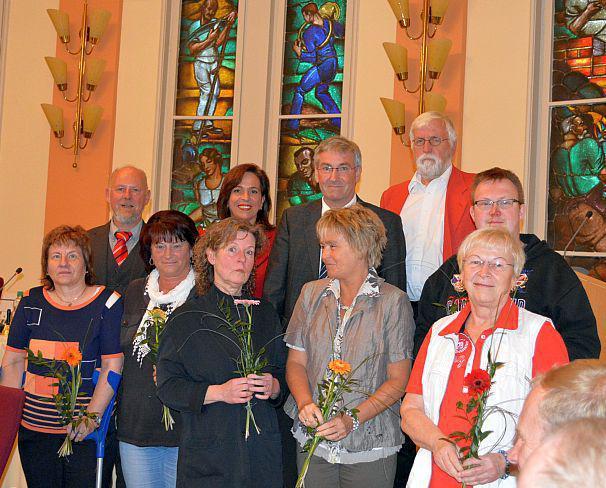 Berufen: Die Mitglieder des Beirats mit Bürgermeister Heiko Müller und dem neu gewählten Vorstand der SVV