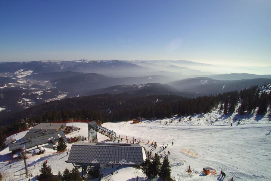 Skifahren am Großen Arber- Bergstation mit Ausblick