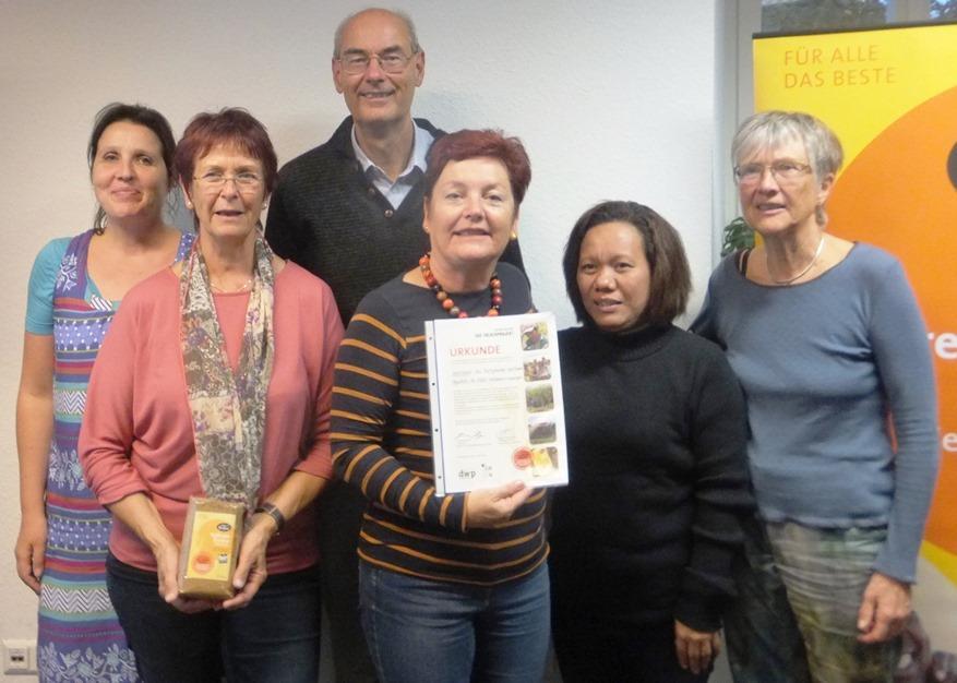 Teresa Gumban dankt dem Bietigheimer Weltladen