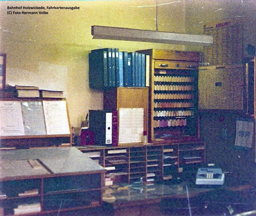 Fahrkartenausgabe innen 1980