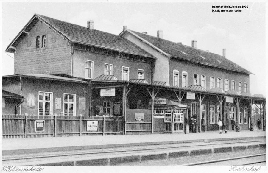 DasBahnhofsgebäude im Jahre 1930