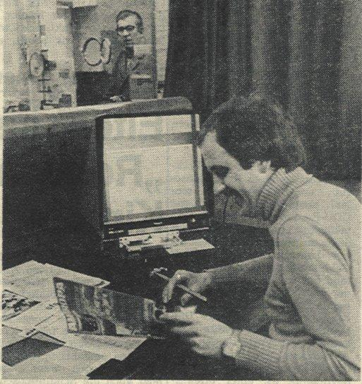 Hermann Volke am Microfilm Lesegerät