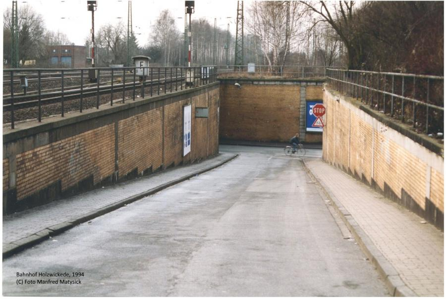 Auffahrt vom und zum Bahnhof 1994