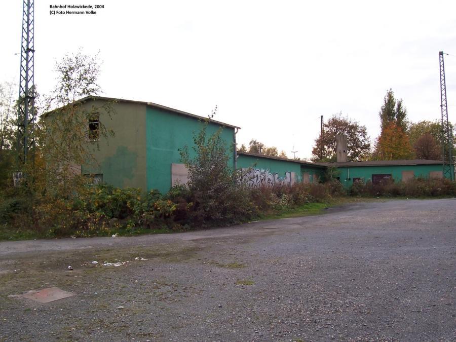 In diesem Gebäude waren u.a. die Rangierer, das Auto im Reisezug Büro, die ehemalige Signalschlosserei  und vieles mehr untergebracht.