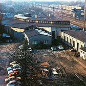 Die Aufnahme zeigt den ehemaligen Lokschuppen. Der Lokschuppen wurde durch die Firma Montanhydraulik genutzt, inzwischen aber alles abgerissen.  Foto: FirmaMontanhydraulik Holzwickede