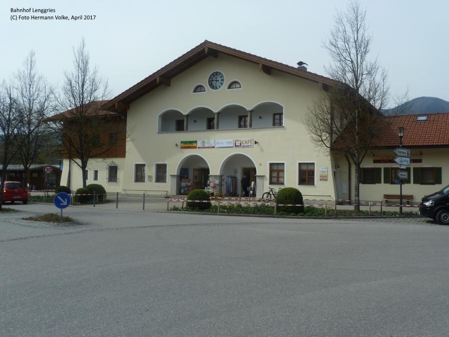 Bahnhof Lenggries (Straßenseite) 2017