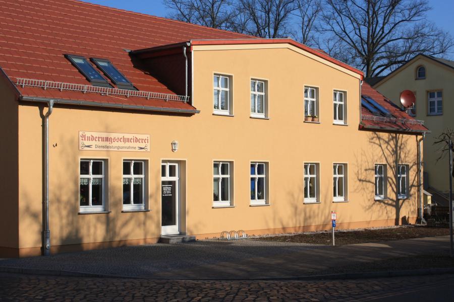 Rathausstraße 25