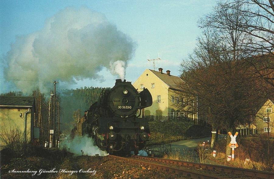 Rekodampflokomotive 50 3633  mit Nahgüterzug nach Pockau-Lengewitz auf der Fahrt bei Falkenau