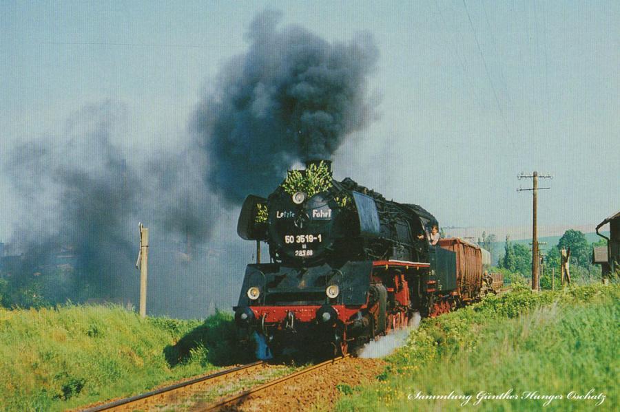 Güterzugdampflokomotive 50 3519  auf ihrer letzten Fahrt nach Oelsnitz/Erzgebirge bei St.Egidien