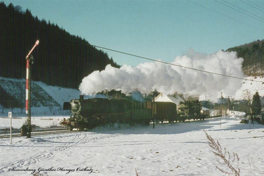 050 419 (DB)mit Güterzug bei Hütten(Strecke Kleinengstingen-Münsingen-Schelklingen)