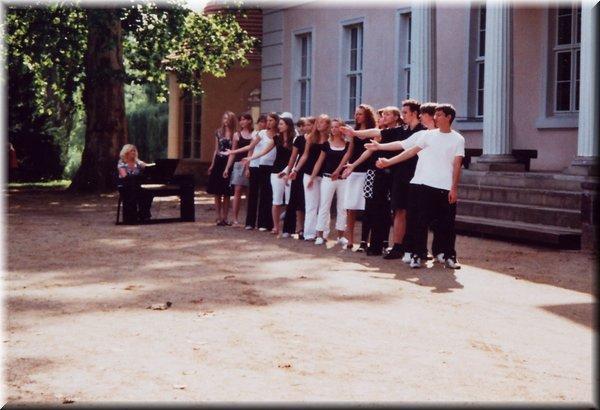 """""""36. Sängertreffen in Criewen,Chor des Gauß-Gymnasiums, 2007"""