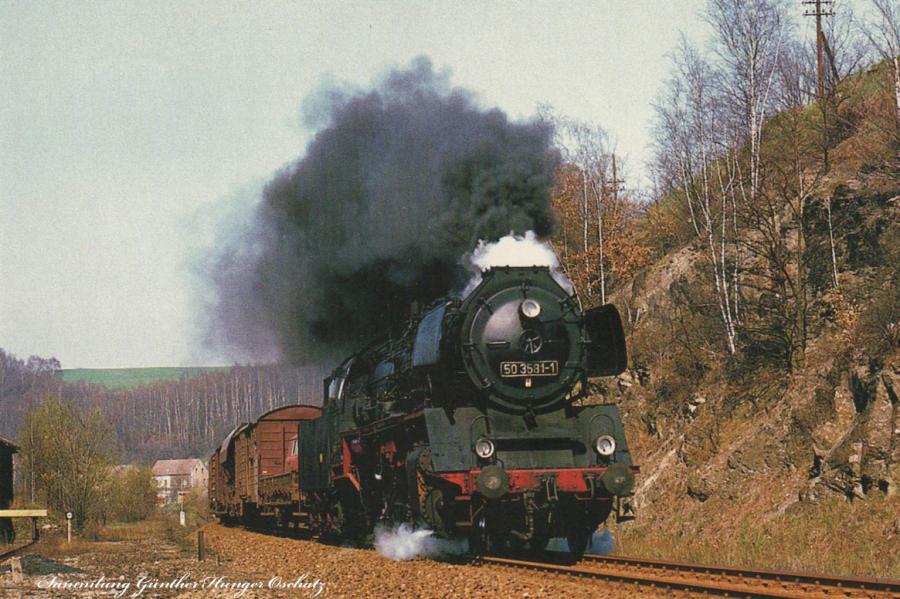 Rekodampflokomotive 50 3581  fährt mit Nahgüterzug bei Gleisberg-Marbach