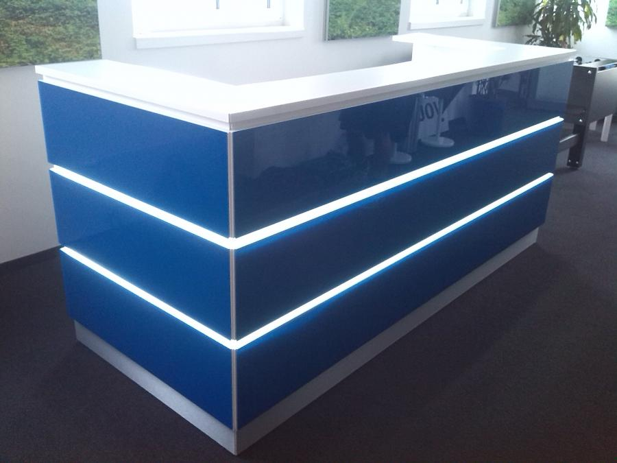 Theke blau mit LED- Beleuchtung