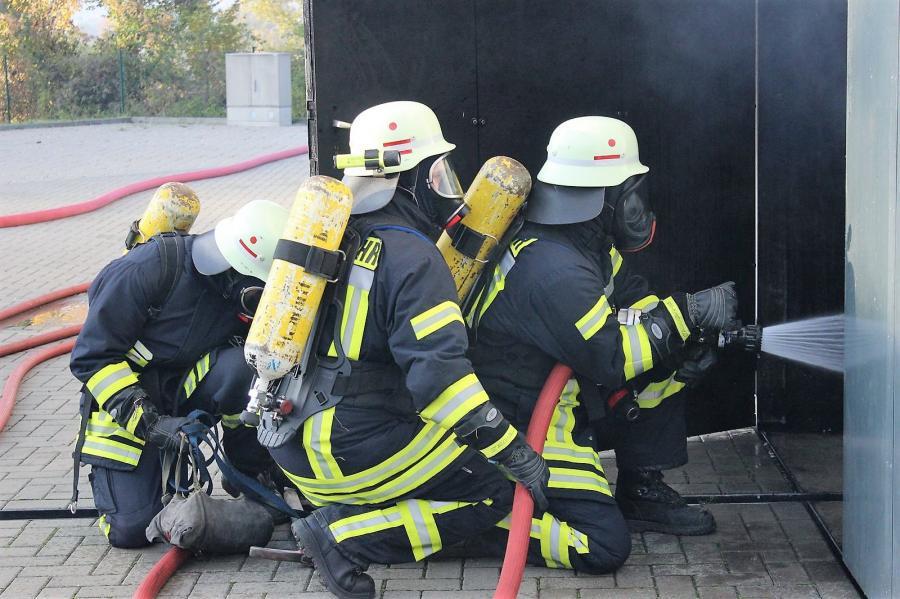Die Kameraden der Freiwilligen Feuerwehr Dietlas im Einsatz