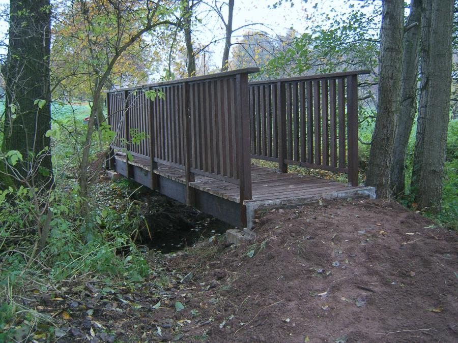 Brücke am Wanderweg zum Rittergut