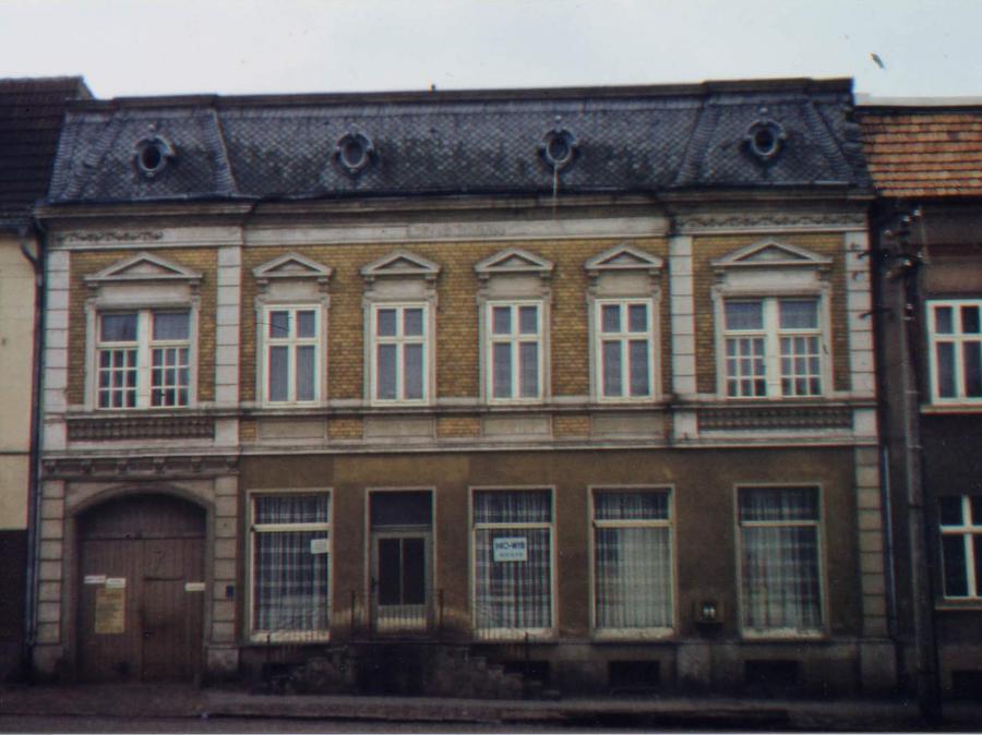Haus am Markt 1980, ©Stephan Becker, Brüssow