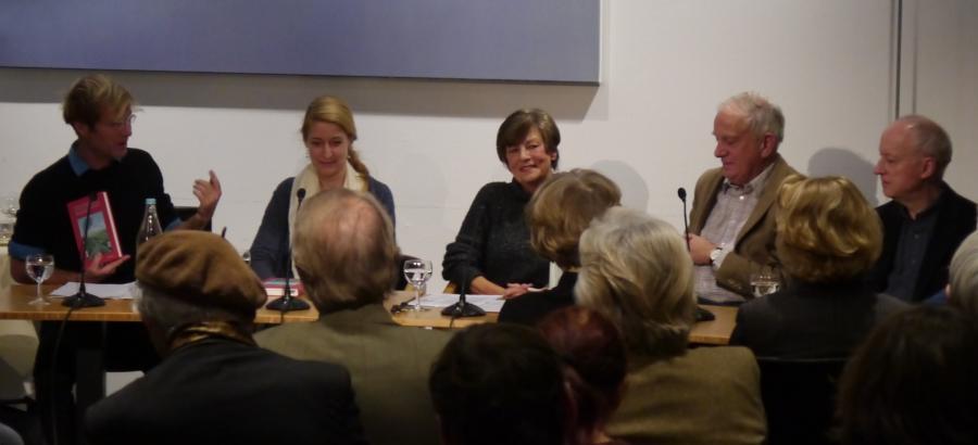 Buchpräsentation 20.11.17 im Brechthaus, vlnr Ralf Klausnitzer, Friederike Frach, Therese Hörnigk, Norbert Baas, Friedrich Dieckmann