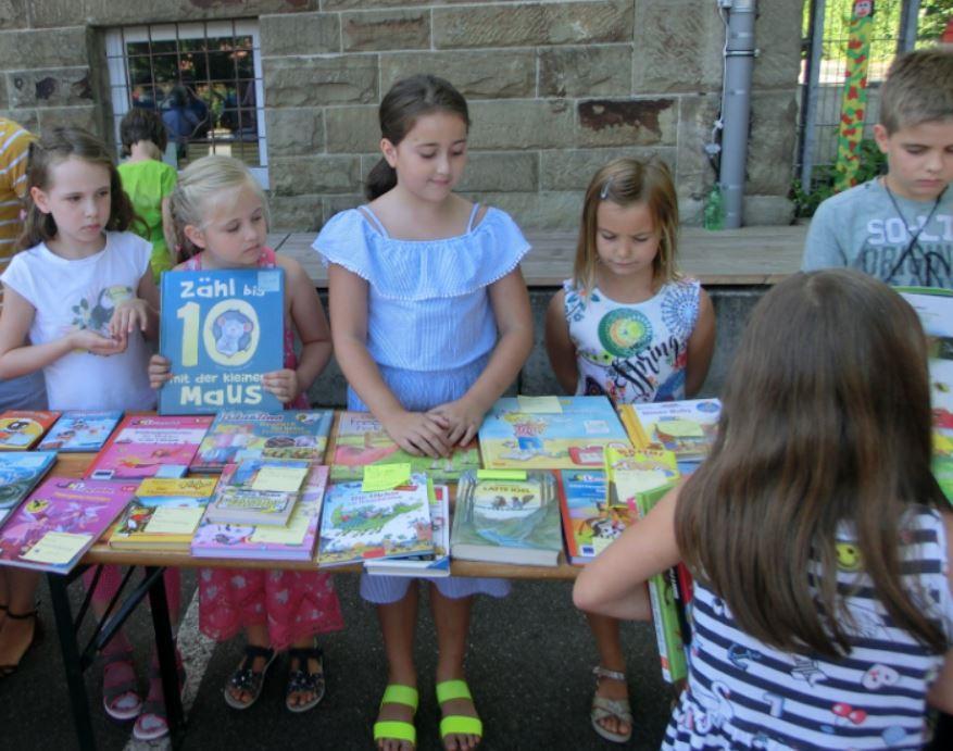 Bücherflohmarkt2