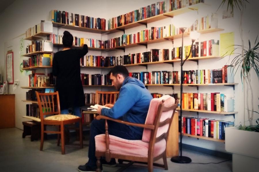 Büchertauschecke im Mehrgenerationenhaus Kaiserslautern (Bildnachweis: MGH KL 2017)