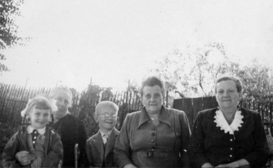 Martha Thürkow mit Frau Rothenhäuser