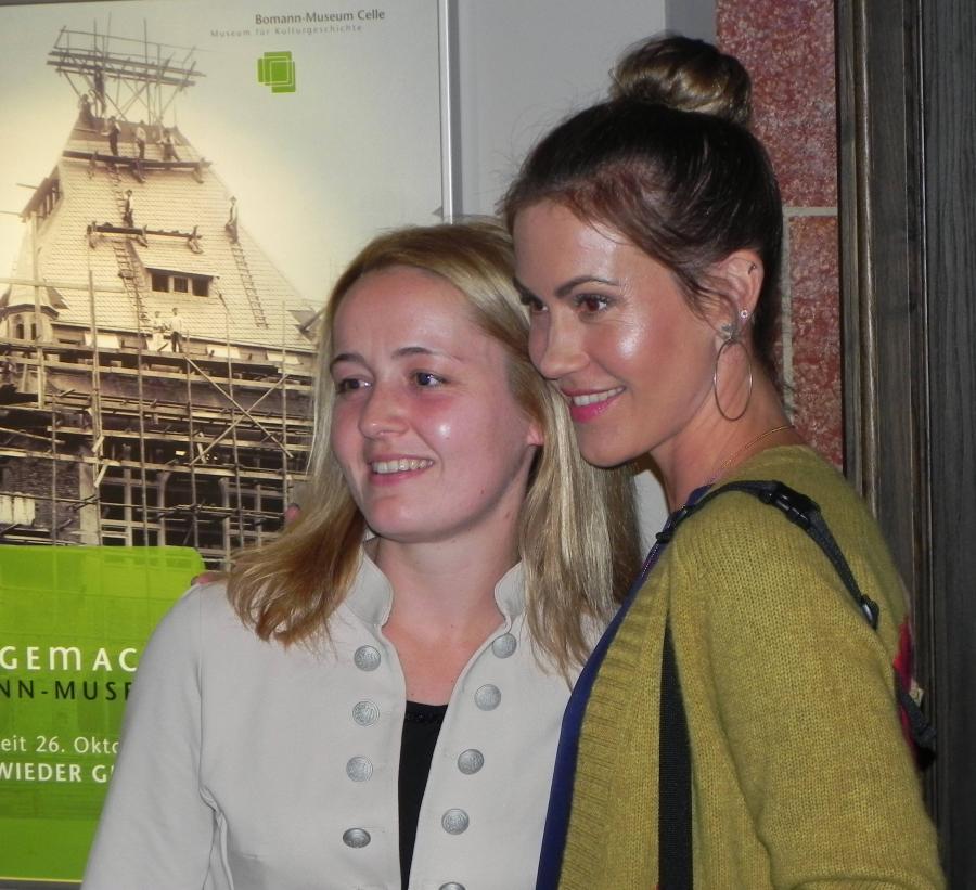 Nadine Kaminski (stellvertretende Vorsitzende des Museumsvereins Celle) und Wolke Hegenbarth (Schauspielerin und Plan-Patin)