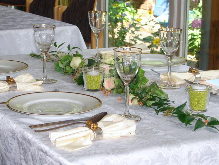 blumenstube babelsberg inh caty reinhardt gestecke f r eine tafel. Black Bedroom Furniture Sets. Home Design Ideas