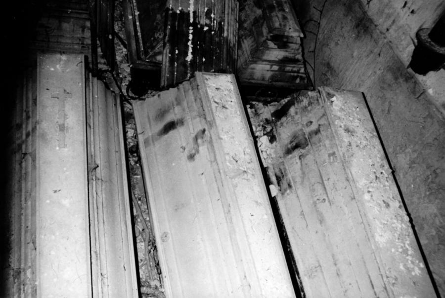 So sah es 1990 in der Grabkapelle der Familie Viereck aus (1)