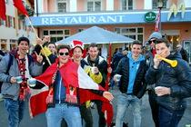Österreichische Fans stimmen sich in Oberstdorf auf das erste Tourneespringen ein - Foto: johapress/Joachim Hahne