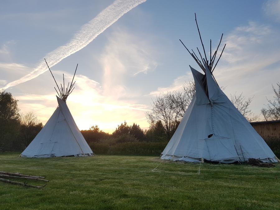 Campingplatz Indianertipis