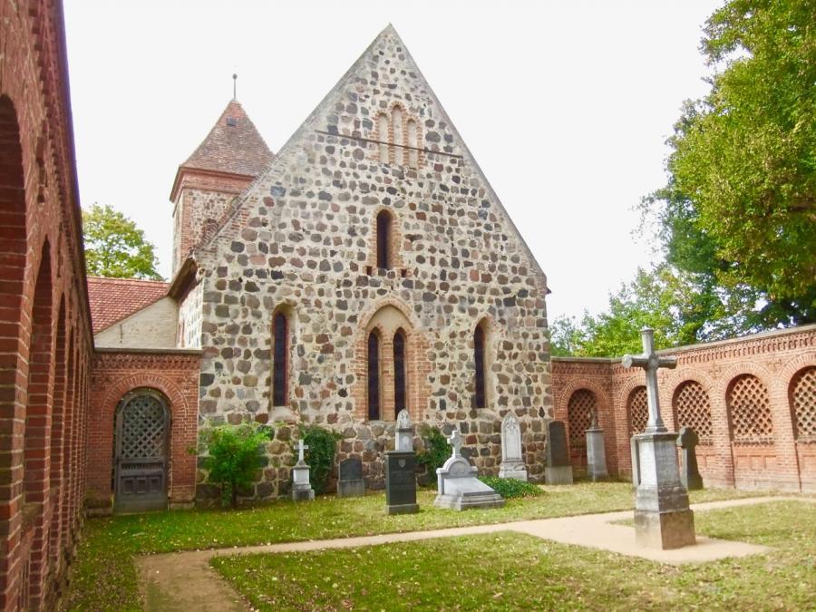 Campo Santo Radensleben. Blick auf das Grab von Ferdinand von Quast I Foto: Ulrich Dressel, 29.9.2018