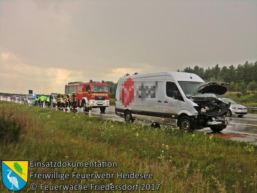 Einsatz 99/2017 | VU Transporter in Leitplanke | BAB 10 AD Spreeau - AS Freienbrink | 15.07.2017
