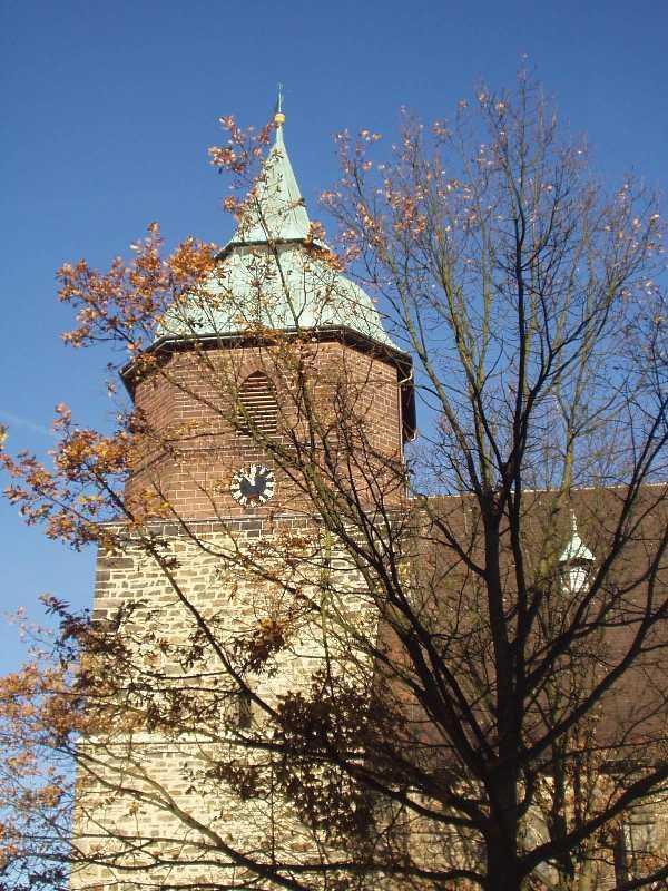 """Foto: Kirche """"St. Georg"""" im spätgotischen Stil"""