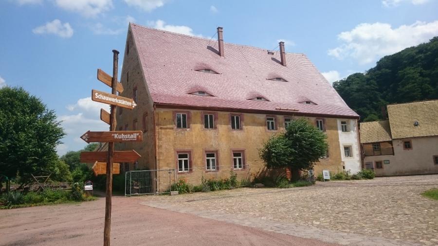 Ferigstellung des Dach Abthaus