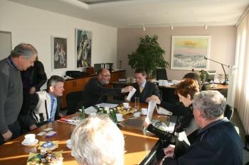 Dekan des Fachbereiches Wirtschaft Herr Prof. Dr. Bertil Haack im Rathaus Fürstenwalde