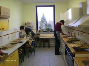 Die Kinderküche lädt zum Kochen ein