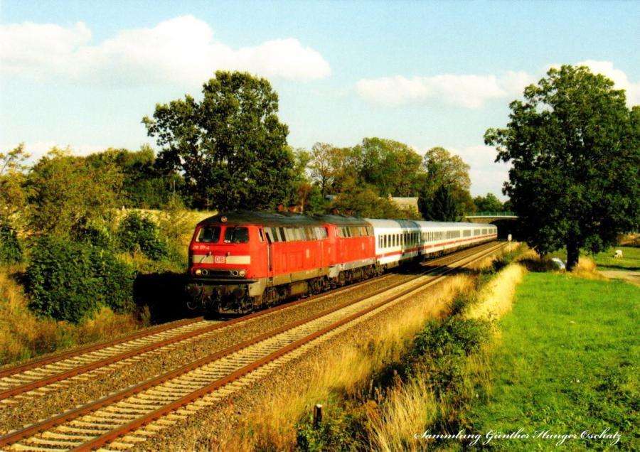 Diesellokomotive 218 177 + 218459 mit IC2060