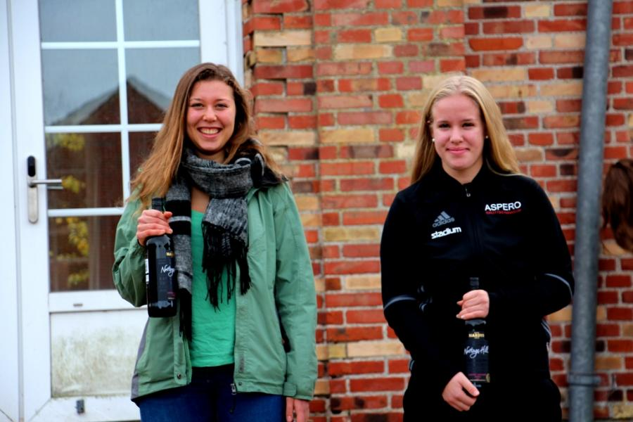 Doppelsiegerin Marie und Platz Zwei für Elin Djupsjö aus Schweden