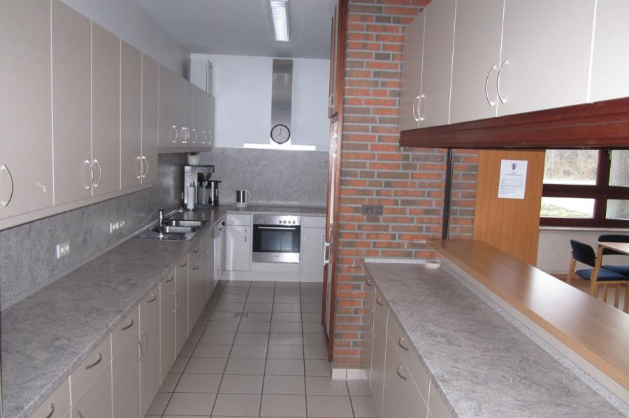 Dorfgemeinschaftshaus Blick in die Küche; Quelle: Gemeinde Pohnsdorf