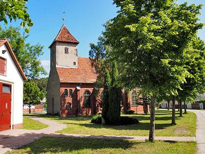 Dorfkirche Göttlin1