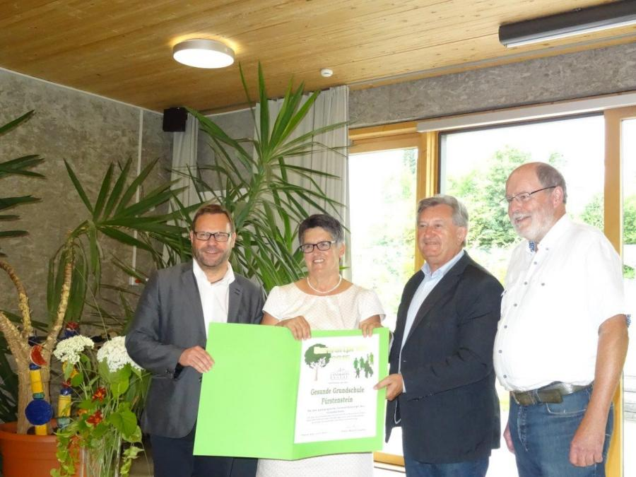 Verleihung des Umweltpreises an unsere Grundschule