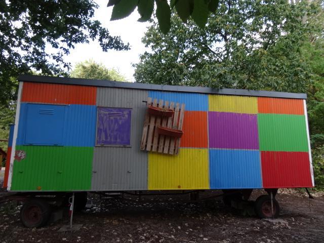 Bauwagen am Spielhaus
