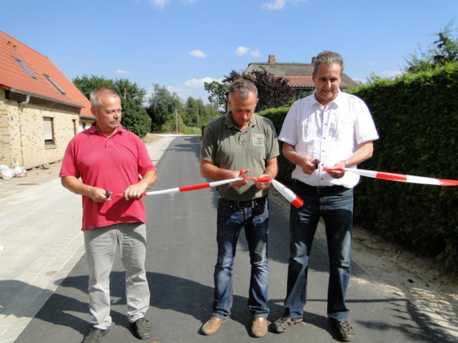 Freigabe der neuen Straße in Warsow, 17.7.2014