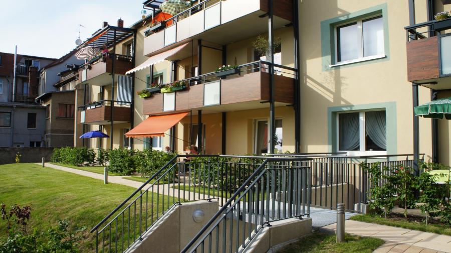 Burgstr. 31, 33- Hofseite