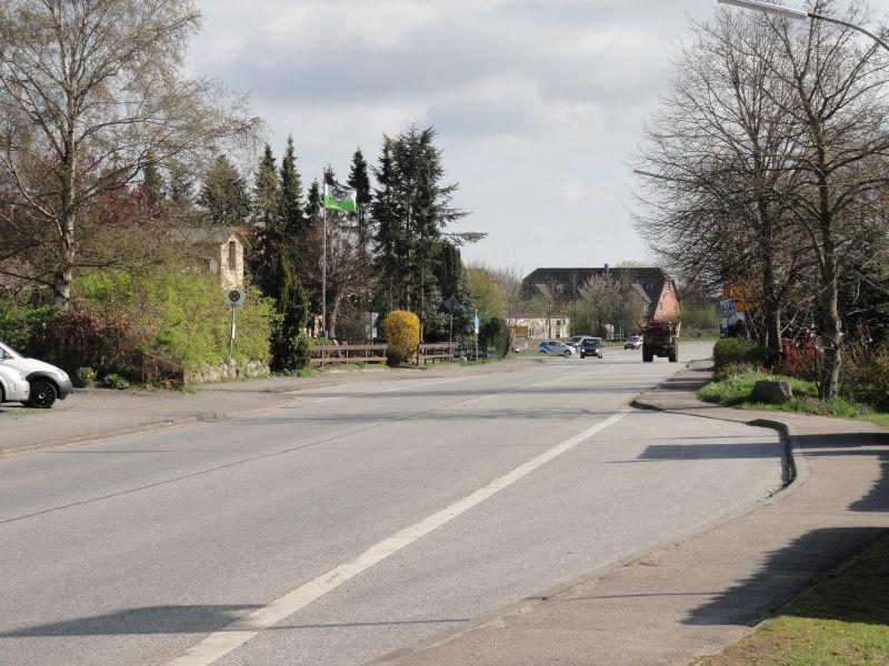 Bundesstraße in Brebel